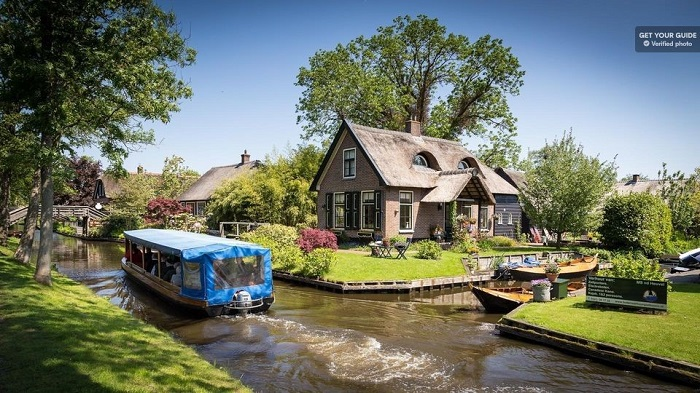 Amsterdam day trip to Giethoorn