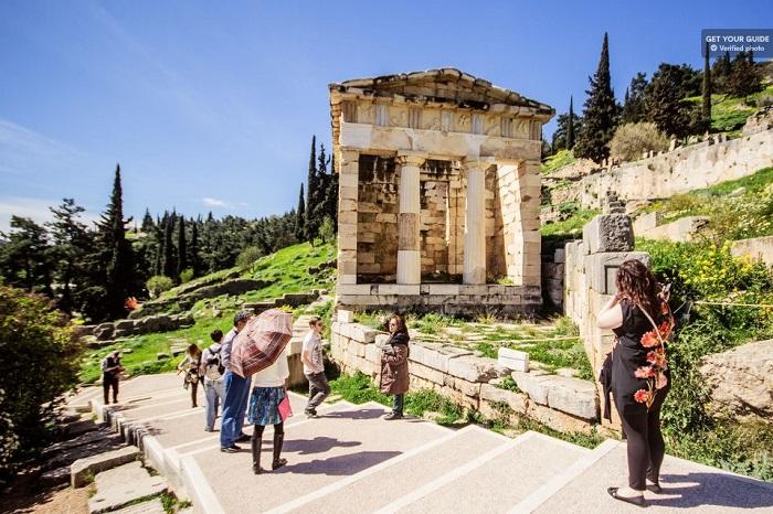 Athens day trip to Delphi