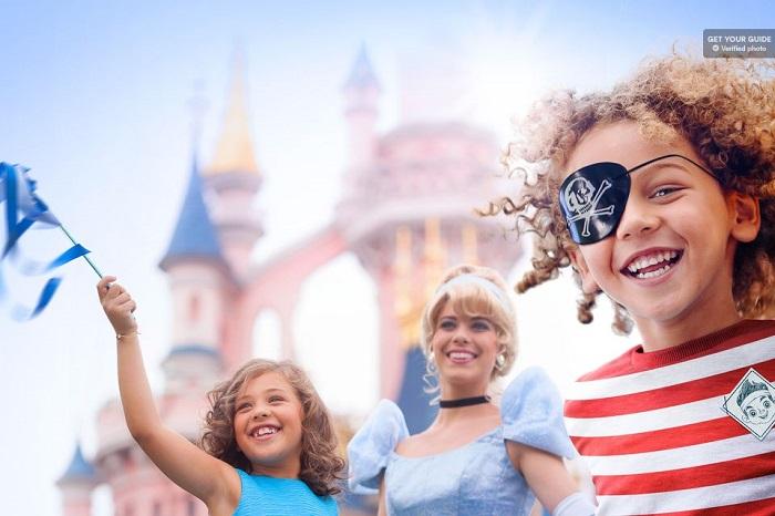 Paris day trip to Disneyland Paris