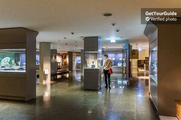 Museum of Decorative Arts (Kunstgewerbemuseum)