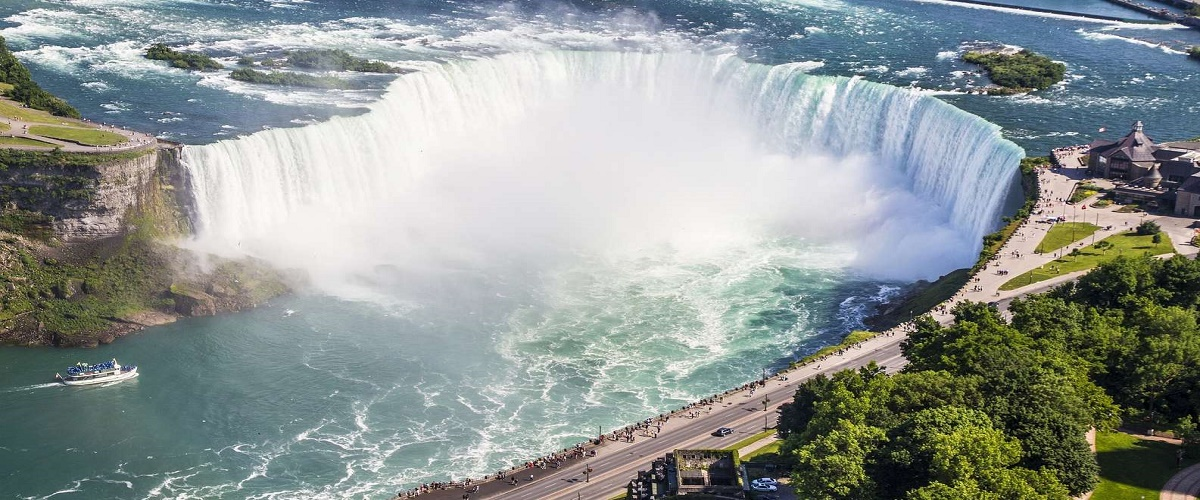 2-day Niagara Falls and Cave of the Winds tour