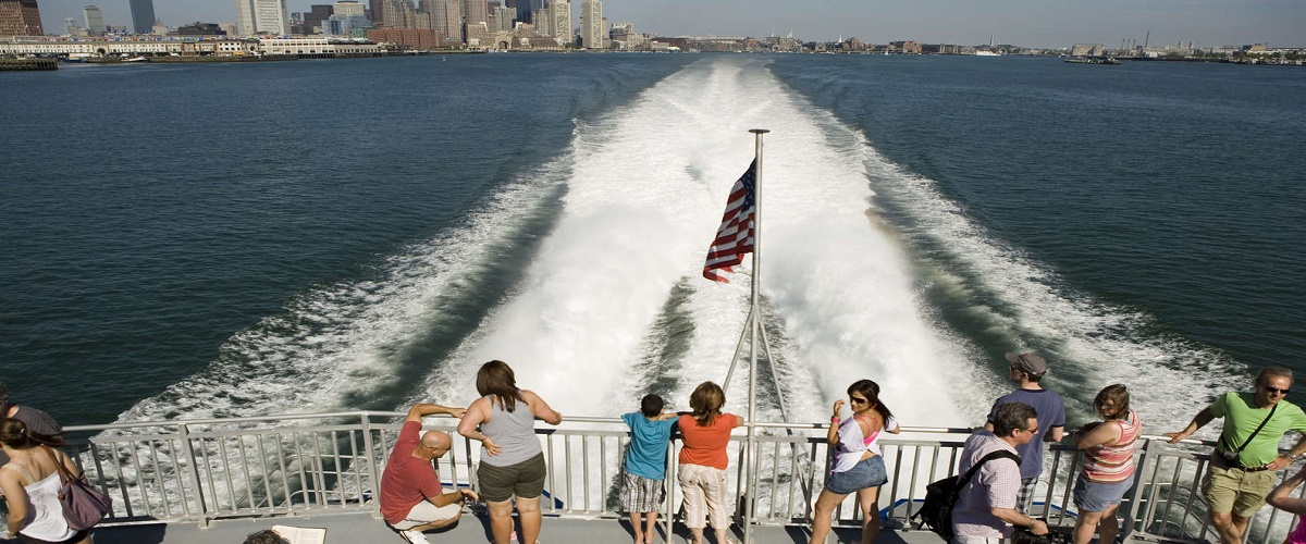 Boston to Nantucket Day Trip with Shuttle Transport & High-Speed Ferry