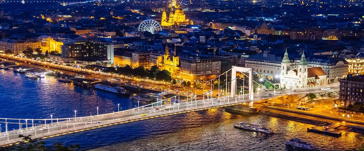 Budapest Night Cruise with Parliament View and Champagne