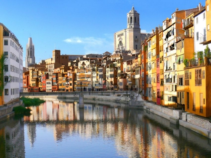 Girona and Costa Brava tour with hotel pick-up in Barcelona