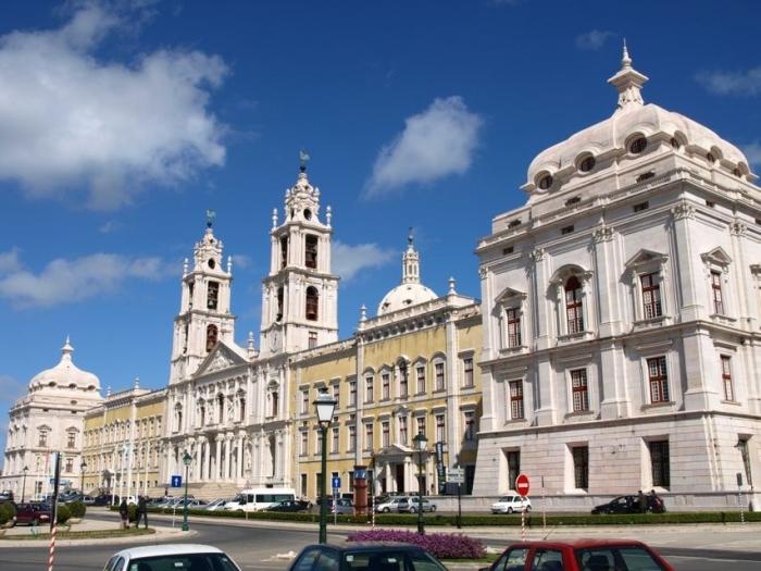 Lisbon day trip to Obidos
