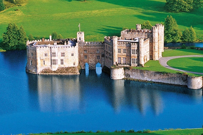 London day trip to Leeds Castle