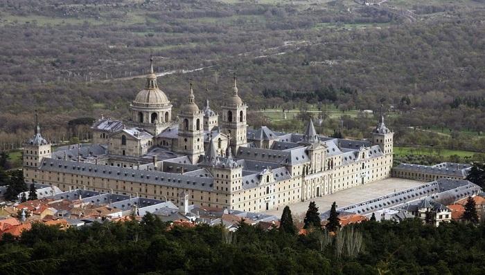 Madrid day trip to San Lorenzo de El Escoria