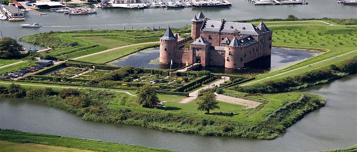 amsterdam. 'day trip to 'Muiderslot Castle
