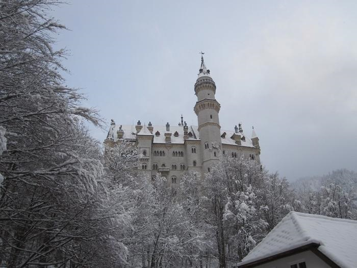 Neuschwanstein Castle, Linderhof Palace, and Oberammergau day trip from Munich