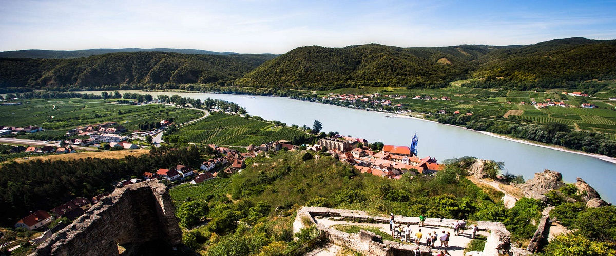 Private Tour: Wachau Valley Tour, Melk Abbey Visit, and Wine Tastings from Vienna