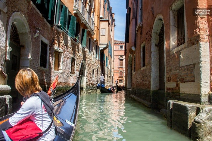 Venice day trip from Milan with guided city tour