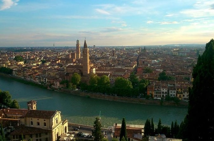 Verona and Lake Garda day trip from Milan