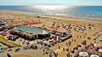 Have a unique Nude Beach Experience at Zandvoort