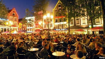Spend your night at Leidseplein