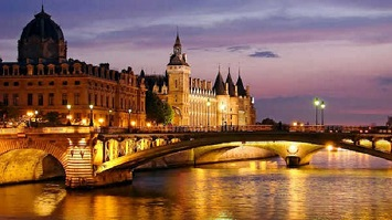 Hop on a Cruise at the Seine River