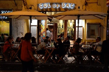 Cozy Up In Rome's Best Wine Bar, Cul de Sac