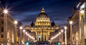 Take a Walk Along St. Peter's Square