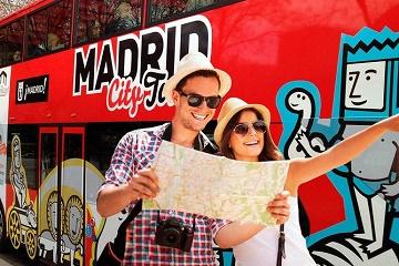 Walking Tour & Madrid Hop on Hop Off Bus