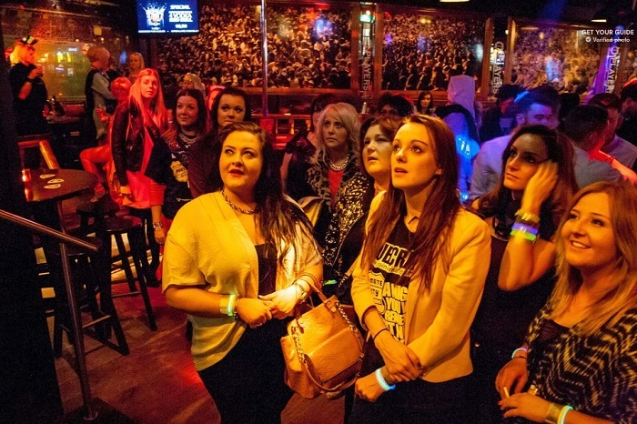 Ultimate Party Pub Crawl - Red Light District Tickets