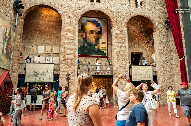 Girona, Figueres and Dali Museum Day Tour Tickets