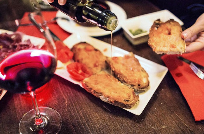 Tapas Evening Walking Tour of Barcelona Tickets