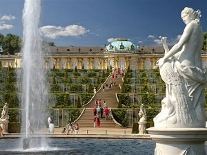 Potsdam Sanssouci Palace Guided Bus Tour from Berlin Tickets