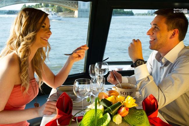 Szechenyi Spa plus Danube River Dinner Cruise: Super Saver  Tickets