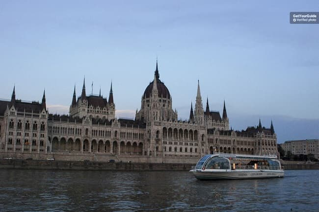 Budapest Evening Sightseeing Cruise Tickets
