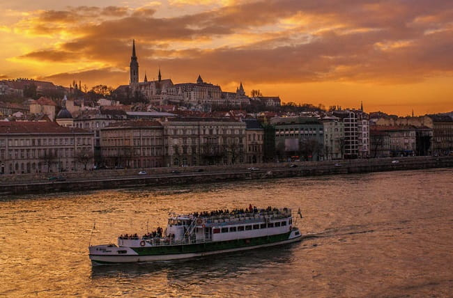 Danube Dinner Cruise with Live Music Budapest Tickets