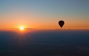 Dubai Hot air Balloon Flight with Breakfast & Falconry Tickets