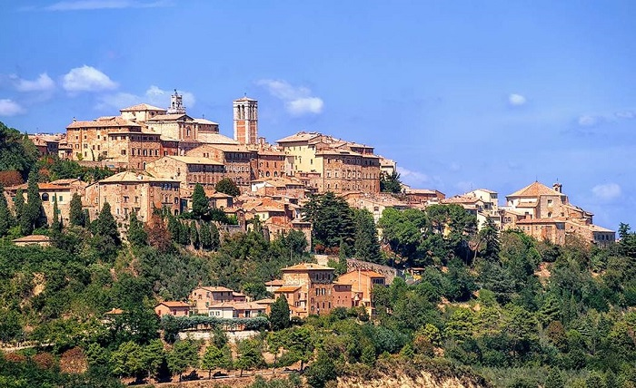 Montalcino, Pienza and Montepulciano Full-Day Wine Tour Tickets