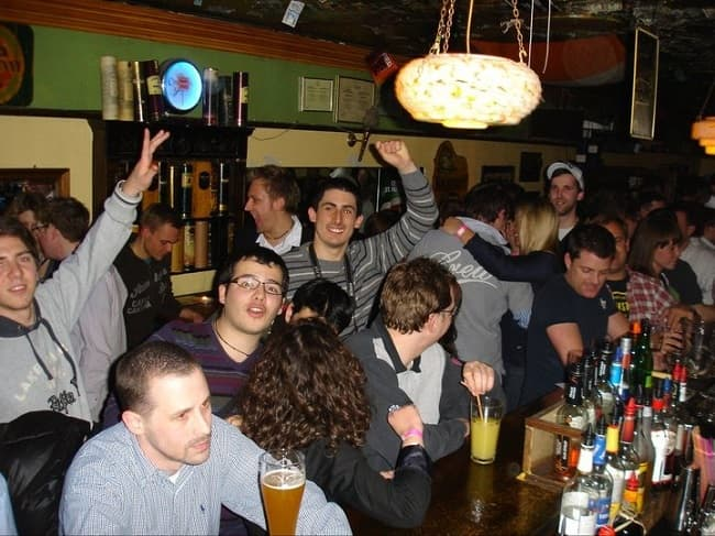 Frankfurt Night Pub Crawl through Alt-Sachsenhausen Tickets