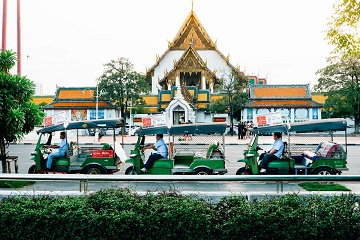 Hop On Hop Off: Tuk Tuk & Tourist Boat on Chao Phraya River