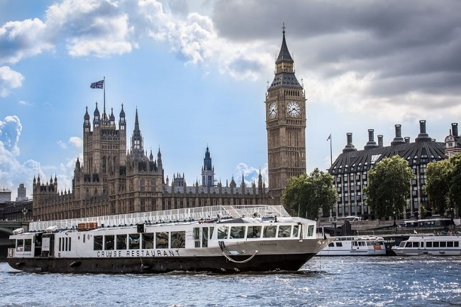 Thames Lunch Cruise with 2-Course Meal Tickets