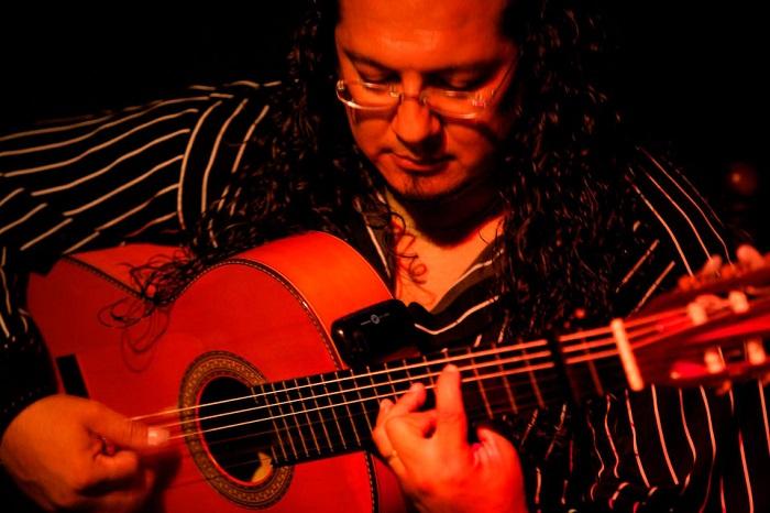 Malaga Flamenco Show and Tapas Tour Tickets