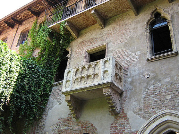 Verona & Lake Garda Day Trip from Milan Tickets
