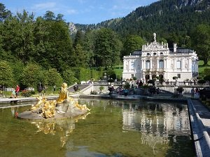Day Trip to Neuschwanstein and Linderhof Castles from Munich Tickets