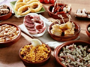 Old Town Tour of Palma and Tapas Bar by Night Tickets