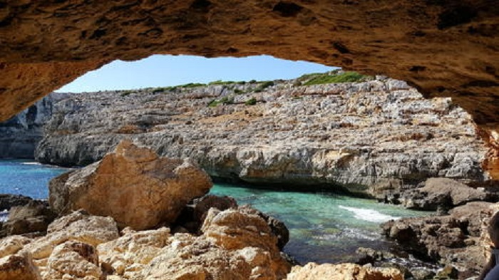 Small-Group Cova de Coloms Sea Caving Tour in Mallorca Tickets