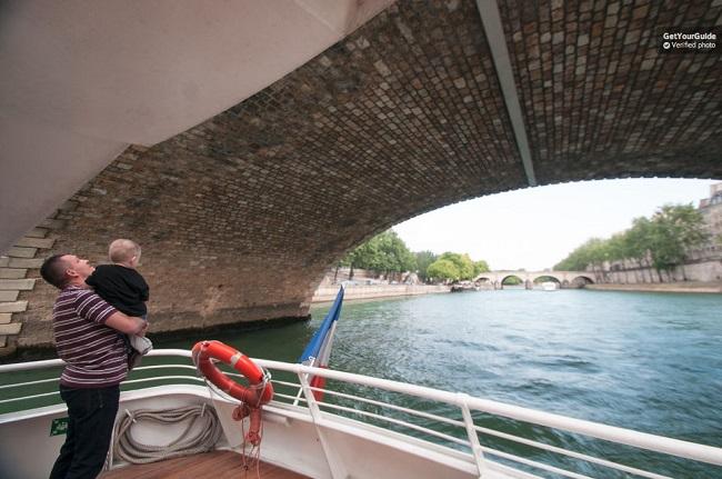 Batobus River Seine Shuttle Boat Tickets
