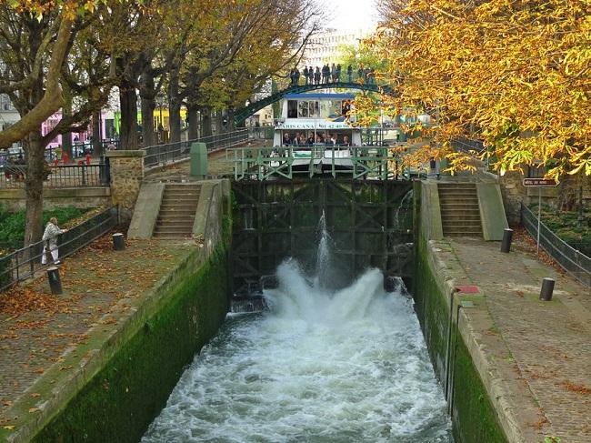 Seine River Cruise and Paris Canals Tour Tickets