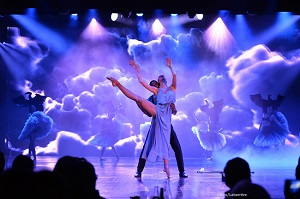 Seine River Dinner Cruise and Cabaret Show Tickets