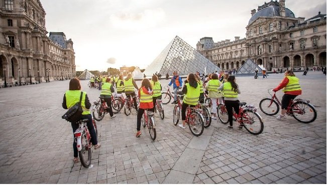 Paris Night Bicycle Tour & River Cruise Tickets