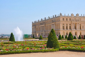 Versailles & Gardens Skip the Line + Garden Show or Fountain Show Tickets