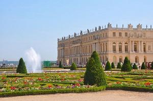 Versailles & Gardens Skip the Line + Garden Show or Fountain Show Tickets