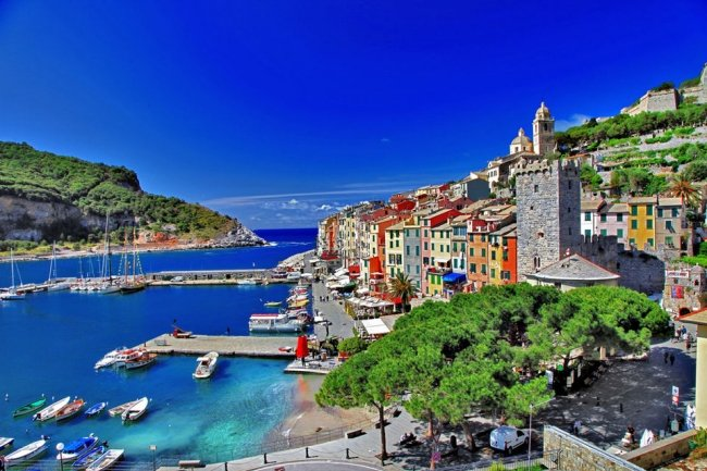 Cinque Terre Small Group Tour by Minivan from Pisa Tickets