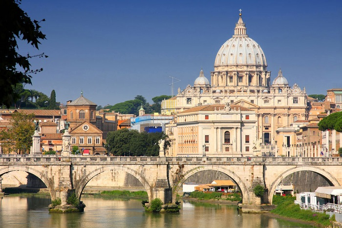 Rome in One Day: Low Cost Vatican & Colosseum Tours Tickets