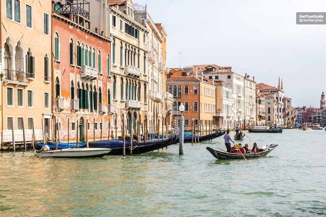 Venice Gondola Ride and Serenade Tickets