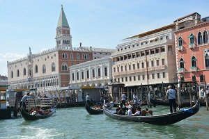 Day Trip Lake Garda to Venice by Coach