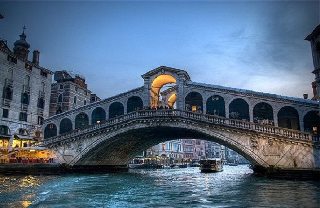 Best Venice Walking Tour and Grand Canal Cruise Tickets